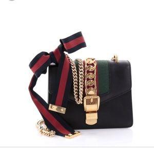 Gucci Sylvie Mini chain shoulder bag black!!